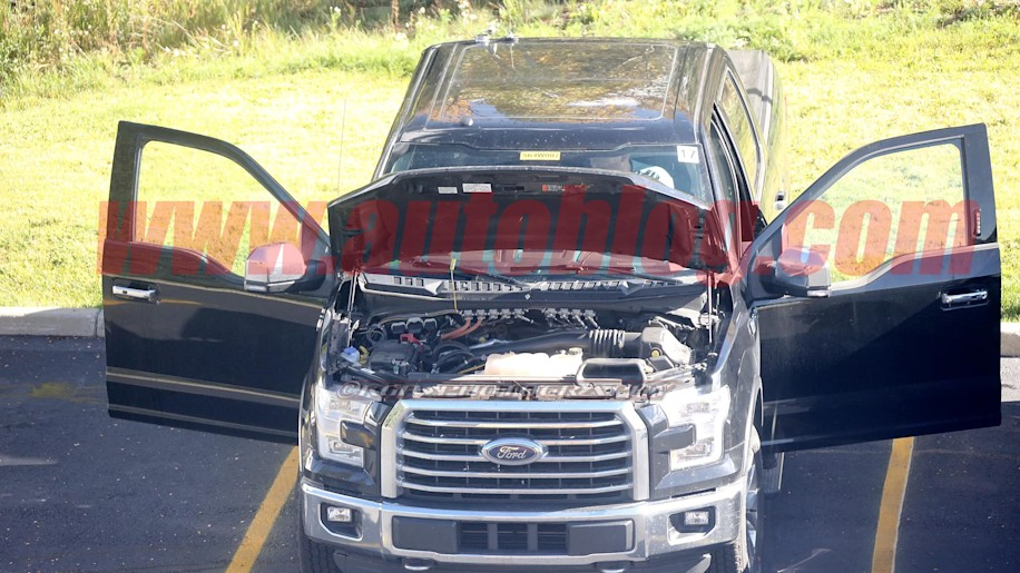 diesel powered ford f 150 caught completely undisguised autoblog. Black Bedroom Furniture Sets. Home Design Ideas