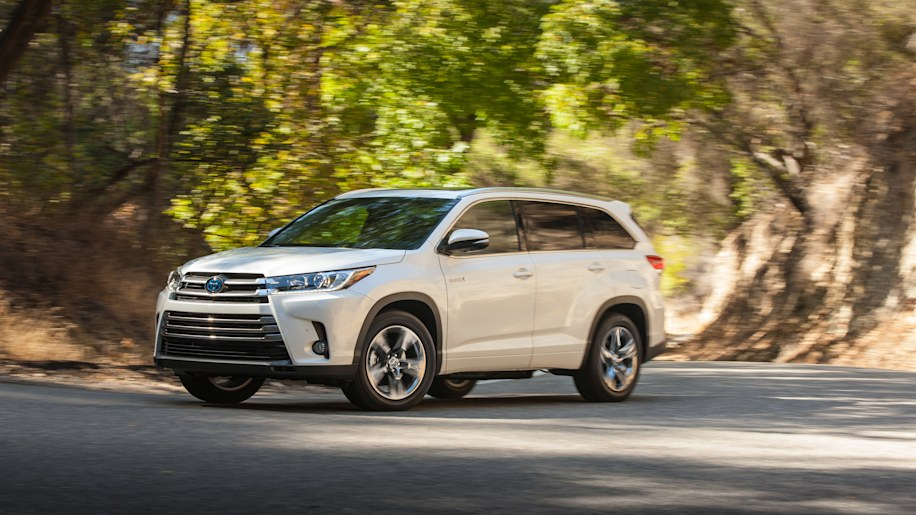 2017 toyota highlander hybrid limited platinum 001 1 2017 highlander will be first na toyota to get stop start autoblog  at eliteediting.co