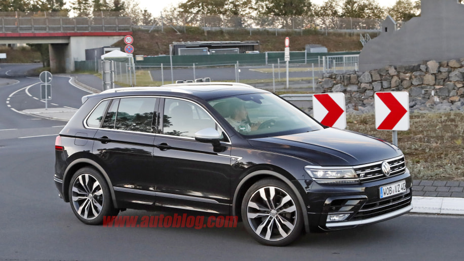 2018 volkswagen tiguan r photo gallery autoblog. Black Bedroom Furniture Sets. Home Design Ideas