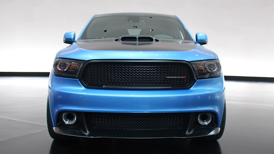 Dodge Durango Shaker Concept A 392 V8 In Front Of Six