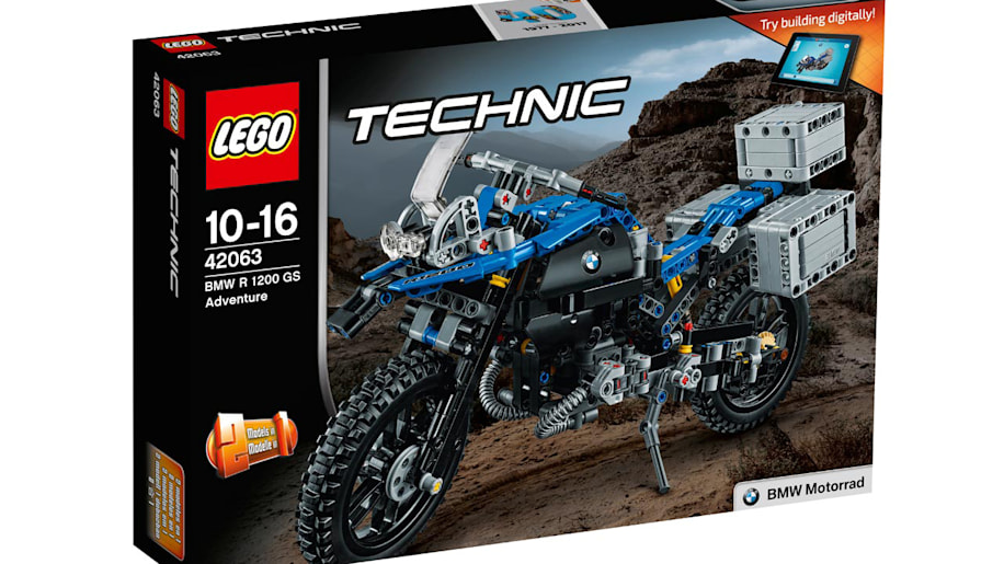 lego creates the 603 piece bmw r 1200 gs adventure. Black Bedroom Furniture Sets. Home Design Ideas