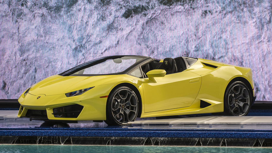 lamborghini expands huracan range with rear wheel drive convertible autoblog. Black Bedroom Furniture Sets. Home Design Ideas