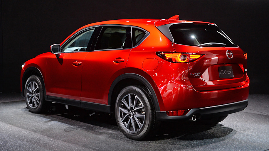the 2017 mazda cx 5 is new and oh so very red autoblog. Black Bedroom Furniture Sets. Home Design Ideas