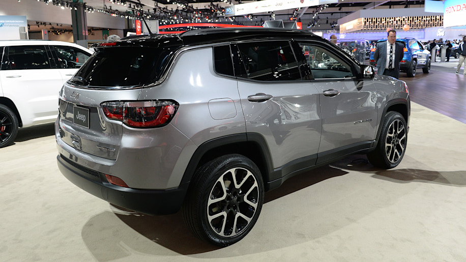 2017 jeep compass is finally a compact crossover worthy of its badge autoblog. Black Bedroom Furniture Sets. Home Design Ideas