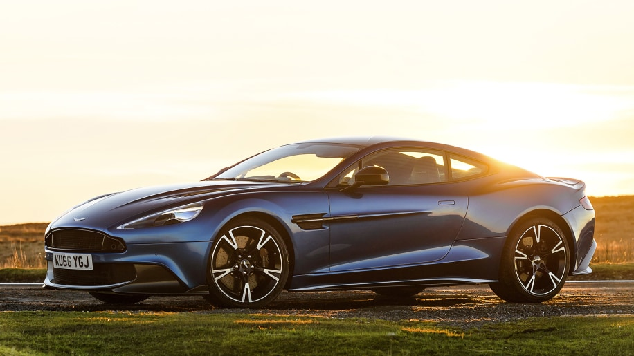 more v12 power no turbos 2017 aston martin vanquish s first drive autoblog. Black Bedroom Furniture Sets. Home Design Ideas