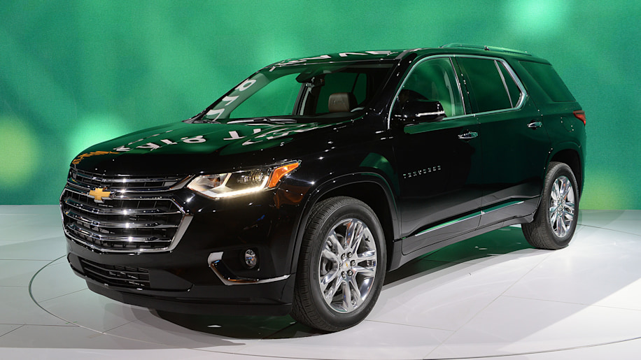 2018 chevy traverse pricing released new design new features costs a bit more autoblog. Black Bedroom Furniture Sets. Home Design Ideas