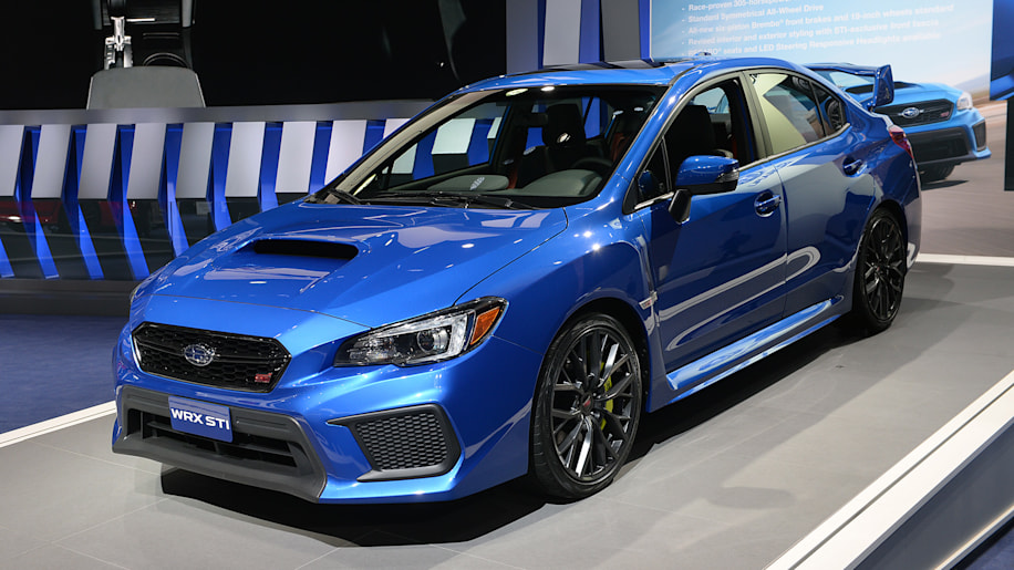 2018 subaru impreza wrx sti detroit 2017 photo gallery autoblog. Black Bedroom Furniture Sets. Home Design Ideas