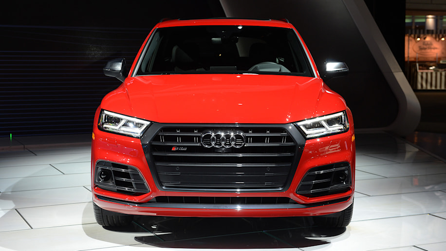 the 2018 audi sq5 looks mean and switches to turbo power autoblog. Black Bedroom Furniture Sets. Home Design Ideas