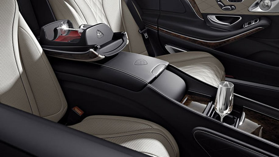 2017 Mercedes-Maybach S600 champgan flutes