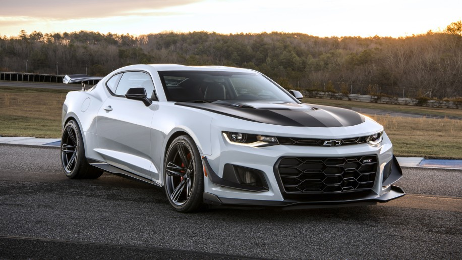 Behold the 2018 Camaro ZL1 1LE, the most hardcore of Camaros - Autoblog