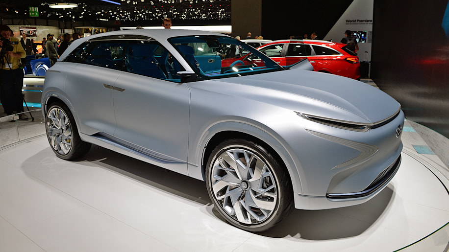 Hyundai Fe Fuel Cell Concept Previews Next Year S Hydrogen Suv