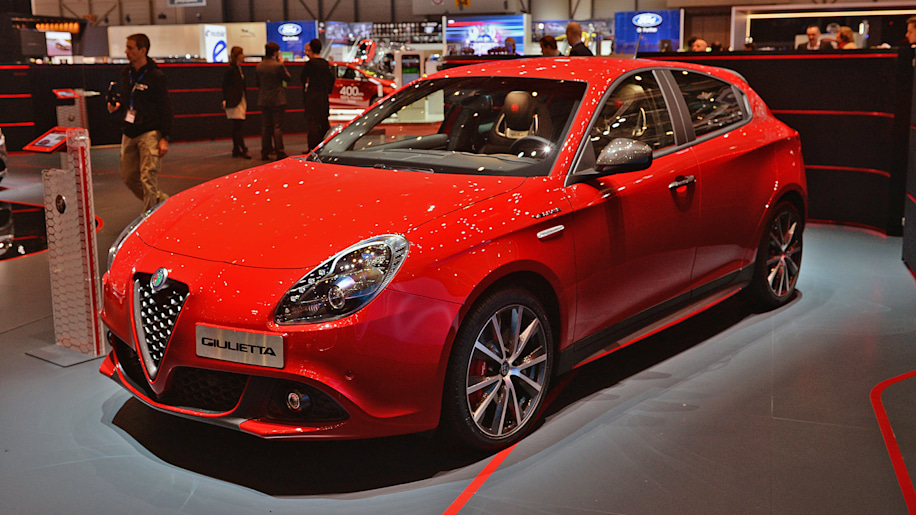 2017 alfa romeo giulietta veloce geneva 2017 photo gallery autoblog. Black Bedroom Furniture Sets. Home Design Ideas