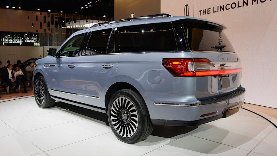 2018 lincoln navigator new york 2017 photo gallery autoblog. Black Bedroom Furniture Sets. Home Design Ideas