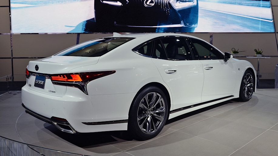 2018 lexus ls 500 gets the f sport treatment autoblog. Black Bedroom Furniture Sets. Home Design Ideas
