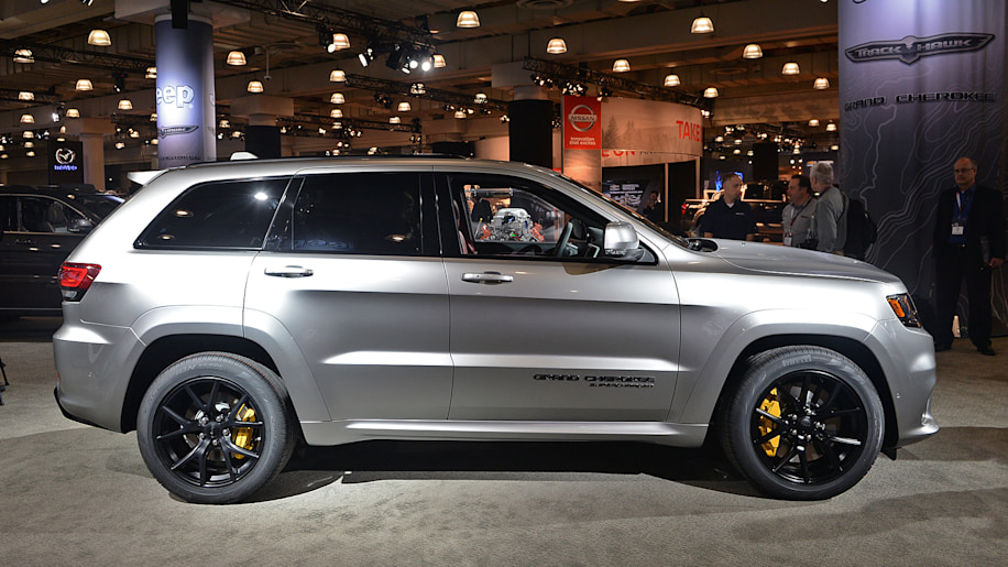 why the 2018 jeep grand cherokee trackhawk really exists autoblog. Black Bedroom Furniture Sets. Home Design Ideas