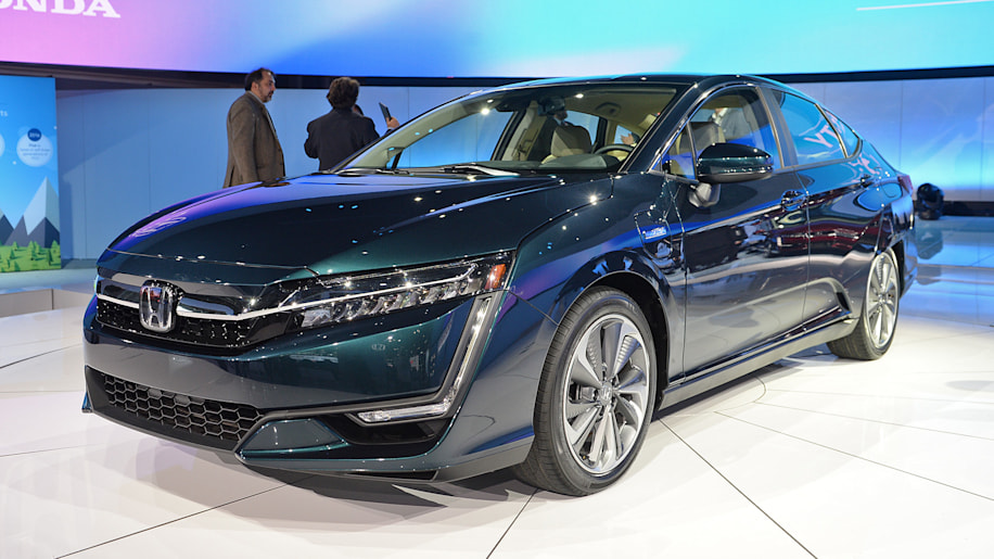 2018 honda clarity plug in hybrid new york 2017 photo gallery autoblog. Black Bedroom Furniture Sets. Home Design Ideas