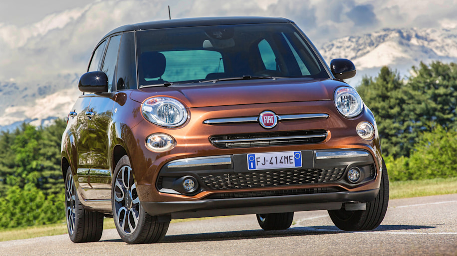 fiat 500l gets a much needed update for 2018 autoblog. Black Bedroom Furniture Sets. Home Design Ideas