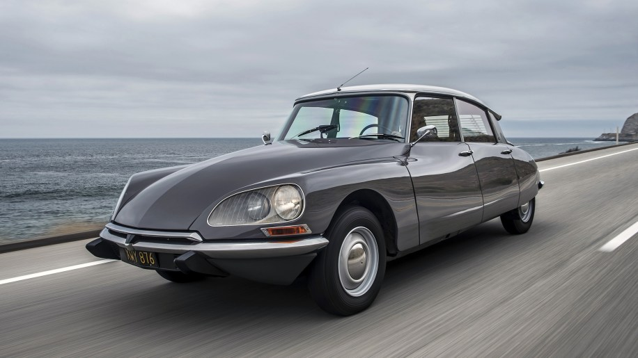 1969.5 Citroen DS21 Drive | Meeting our hydropneumatic heroes - Autoblog
