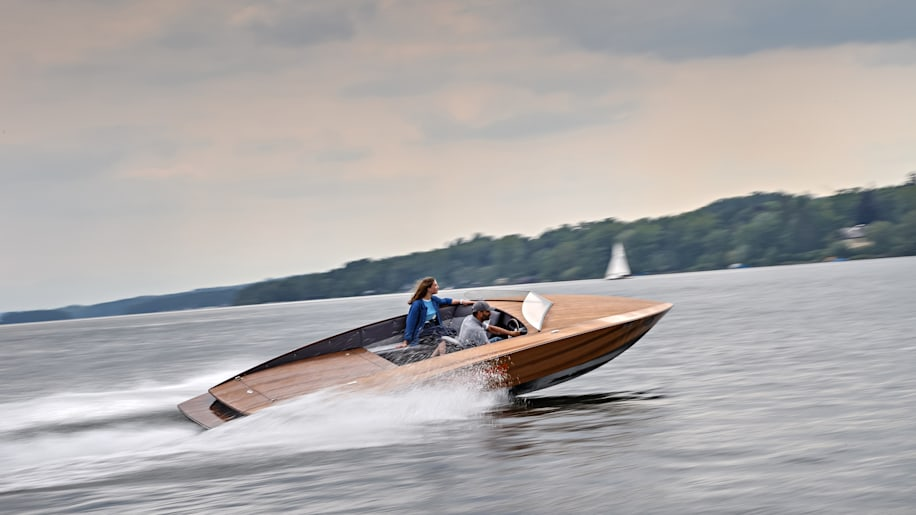 Torqeedo Electric Boats Powered By Bmw I3 Batteries Autoblog