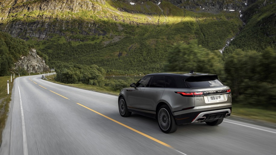 2018 range rover velar first drive nontraditional by. Black Bedroom Furniture Sets. Home Design Ideas