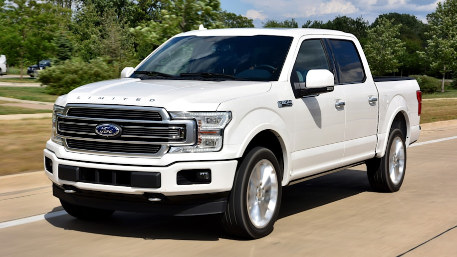2018 ford f 150 first drive a light but smart refresh. Black Bedroom Furniture Sets. Home Design Ideas