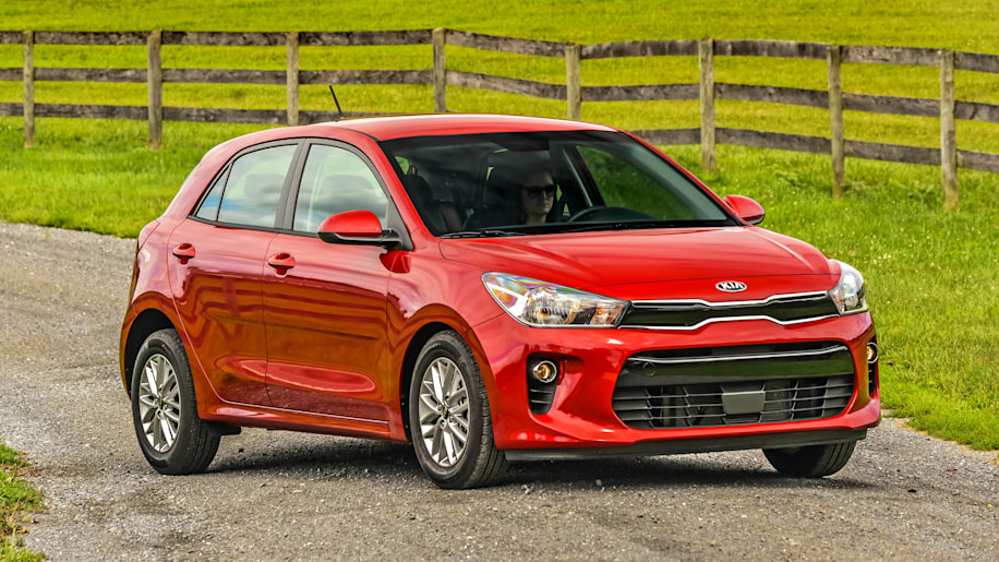 2018 kia rio first drive keep compact and carry on. Black Bedroom Furniture Sets. Home Design Ideas