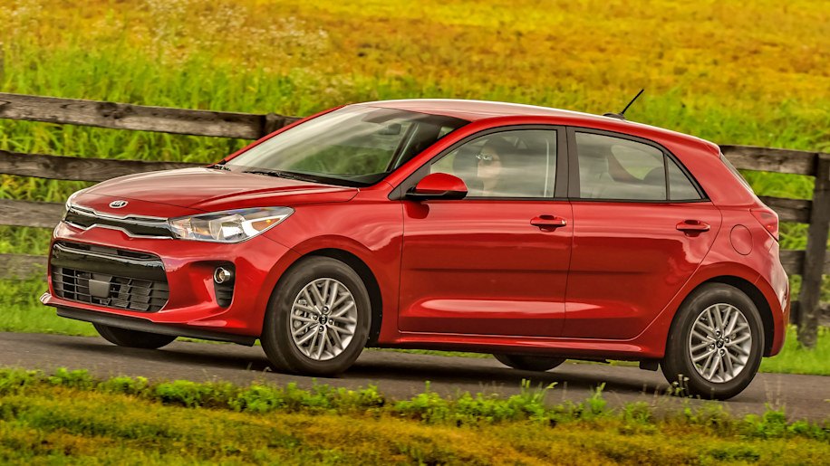 2018 kia rio first drive keep compact and carry on autoblog. Black Bedroom Furniture Sets. Home Design Ideas