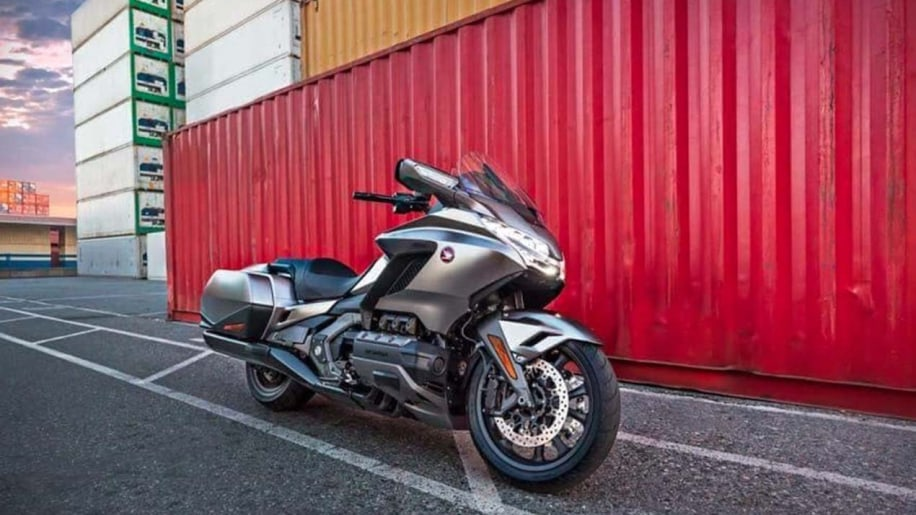 Leaked 2018 Honda Gold Wing Shows Off New Suspension Hints At Dct