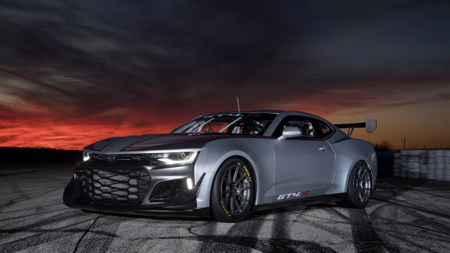 Camaro Gt4r >> The Chevrolet Camaro GT4.R is the ZL1 1LE outfitted for racing - Autoblog