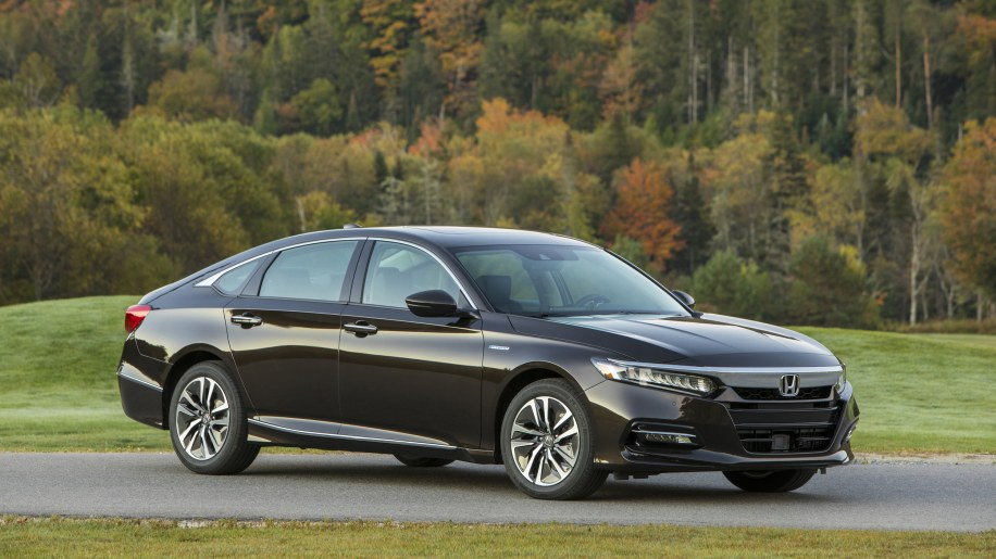 Honda Accord Hybrid Is Much Cheaper Than Old Model Autoblog - 2017 honda accord hybrid invoice price