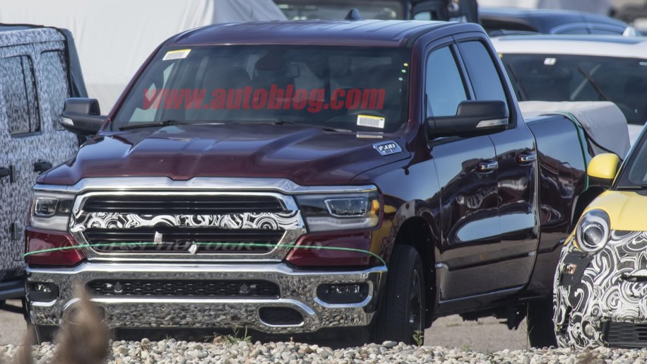 New Ram Truck >> 2019 Ram 1500 Spotted Without The Classic Crosshairs Autoblog