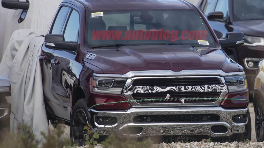2019 Ram 1500 pickup grille loses traditional crosshairs ...
