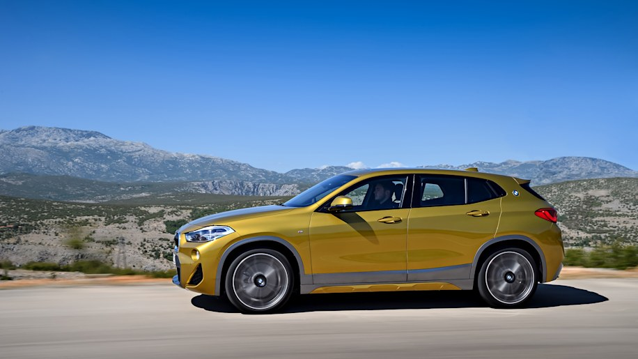 2018 bmw x2 crossover revealed adorned in gold and silver autoblog. Black Bedroom Furniture Sets. Home Design Ideas