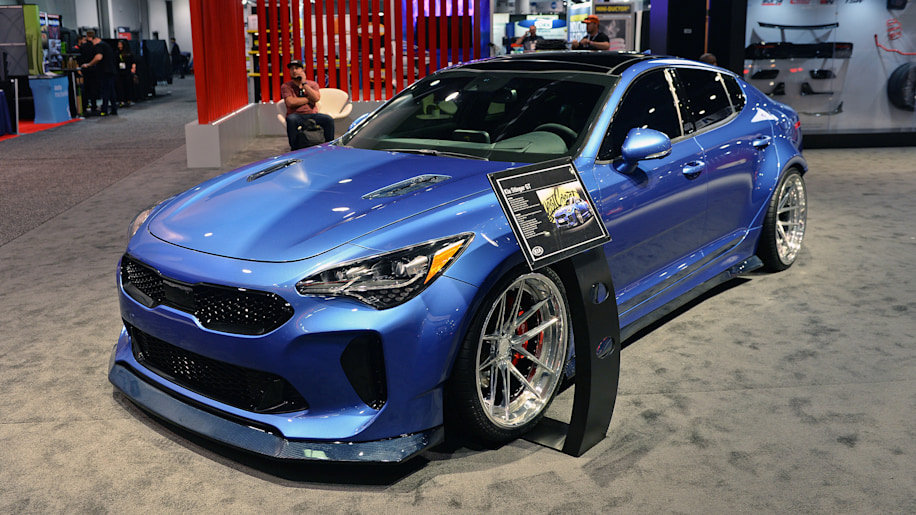kia to show widebody custom stinger at sema autoblog. Black Bedroom Furniture Sets. Home Design Ideas