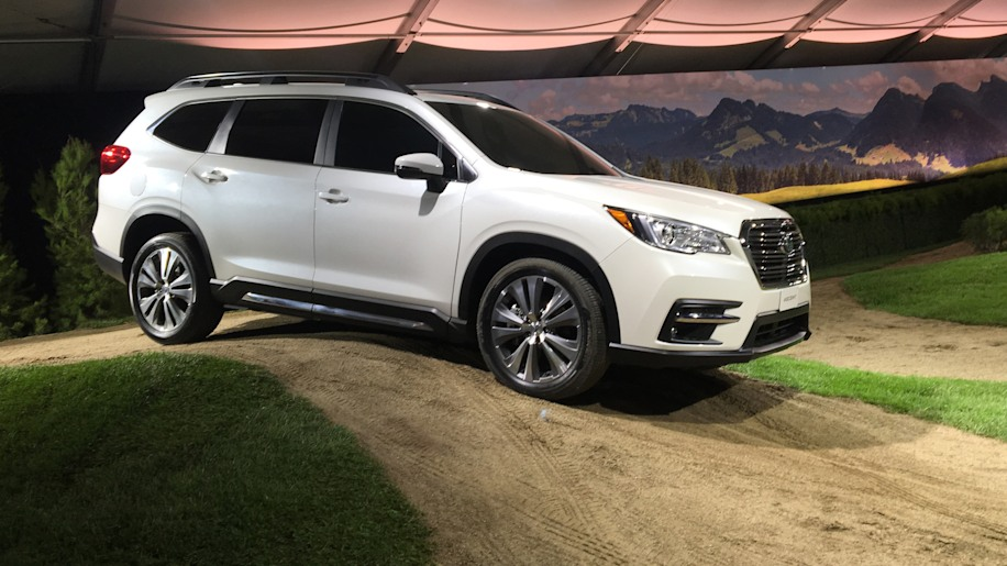 2019 subaru ascent everything we learned about the large crossover suv at its la auto show. Black Bedroom Furniture Sets. Home Design Ideas