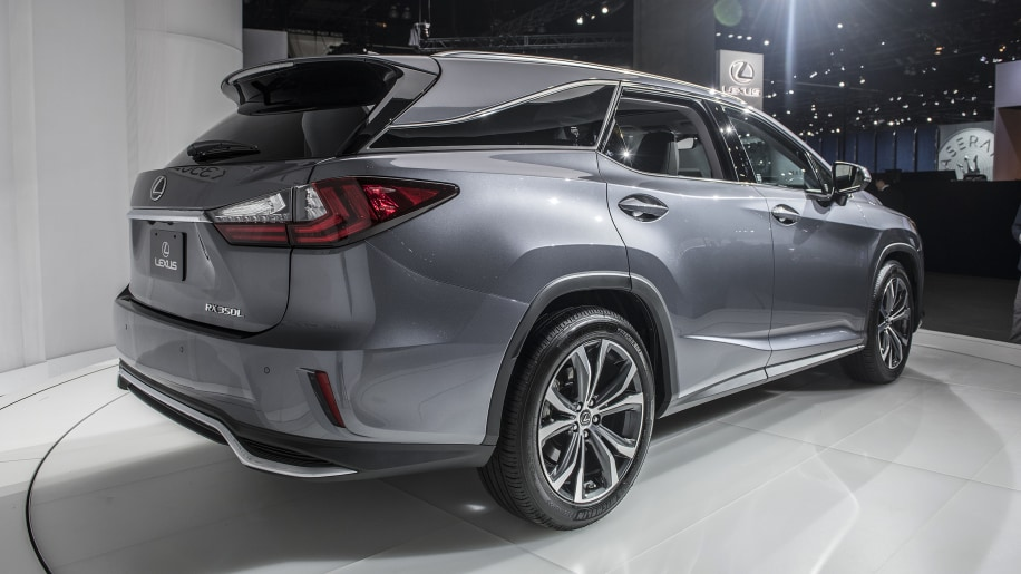 lexus rx 350l and rx 450hl crossovers get a third row autoblog. Black Bedroom Furniture Sets. Home Design Ideas