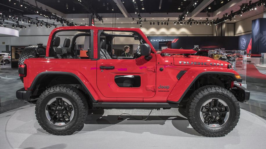 jeep wrangler prices reportedly revealed in document from l a auto show autoblog. Black Bedroom Furniture Sets. Home Design Ideas