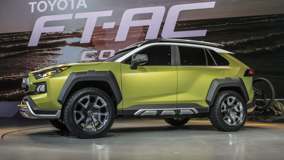 toyota ft ac crossover concept debuts at 2017 la auto show. Black Bedroom Furniture Sets. Home Design Ideas