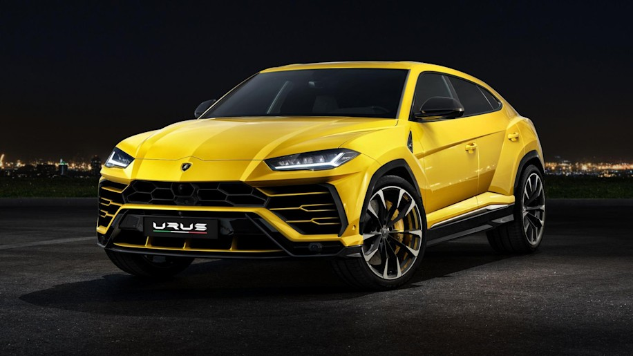 Not it's no a sandwich ... Lamborghini Urus is a super SUV