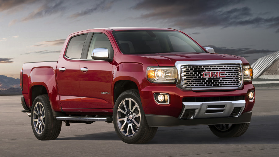 the 2018 gmc canyon denali doesn 39 t offer enough to make its price premium worthwhile autoblog. Black Bedroom Furniture Sets. Home Design Ideas