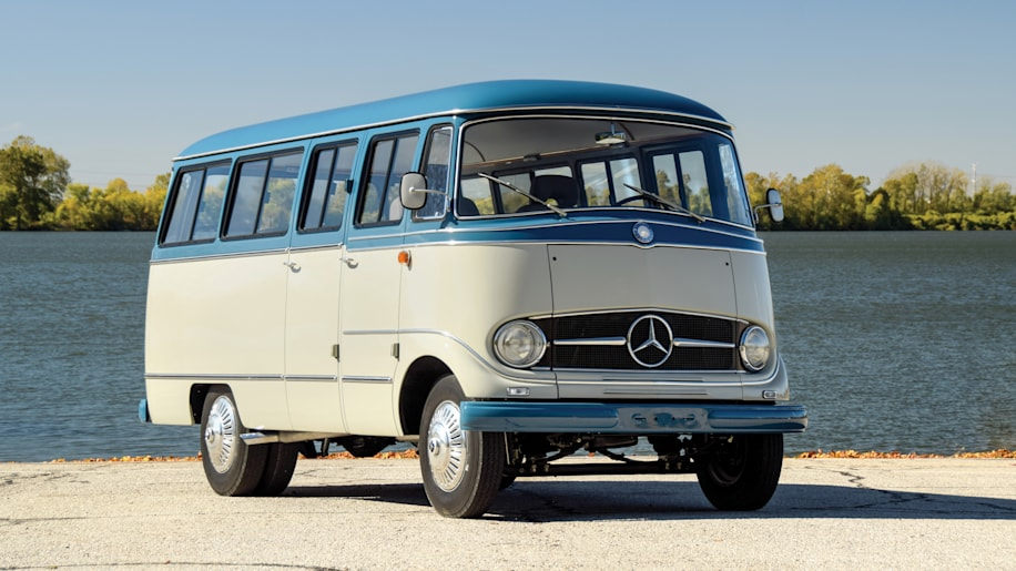 Mercedes benz o 319 camper van photo gallery autoblog for Mercedes benz camper van