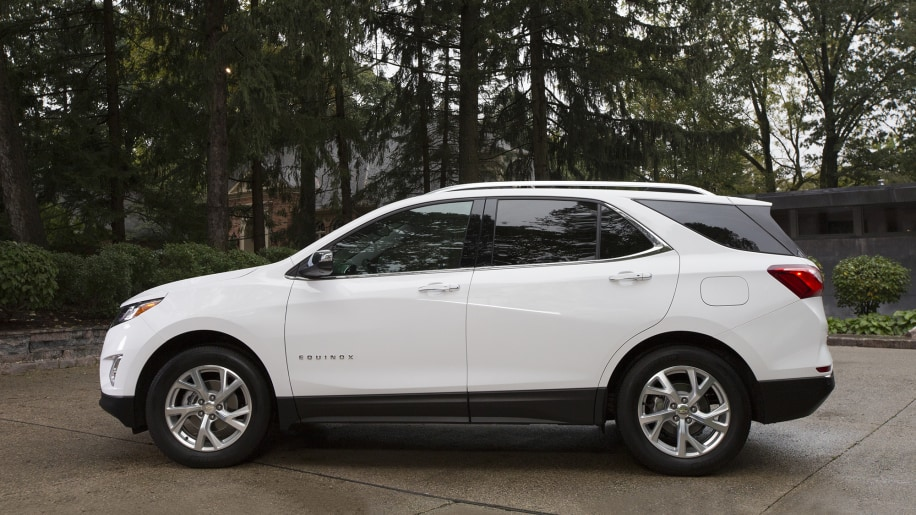 2018 chevrolet equinox diesel first drive photo gallery autoblog. Black Bedroom Furniture Sets. Home Design Ideas