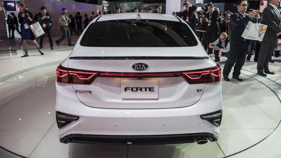 Kia unveils 2019 forte kia forum for Garage kia 95