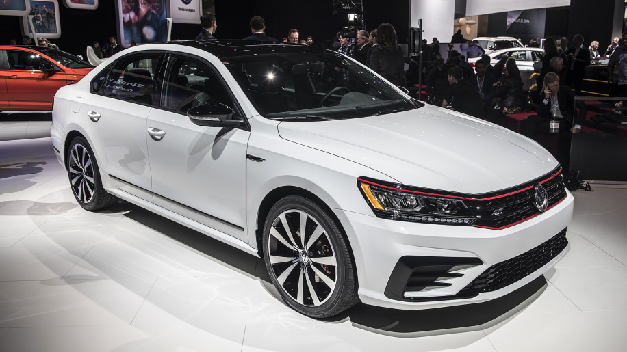 2018 vw passat gt is a sportier sedan with a v6 autoblog. Black Bedroom Furniture Sets. Home Design Ideas
