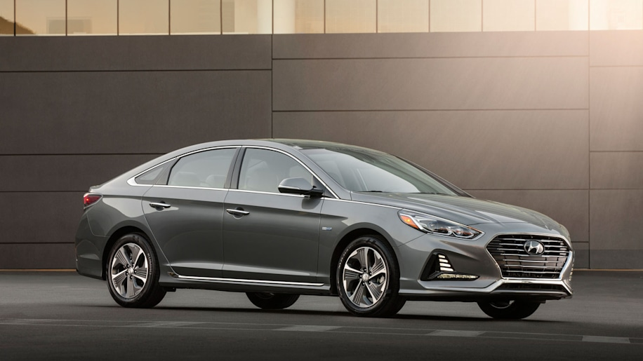 2018 Hyundai Sonata Hybrid and PHEV lead
