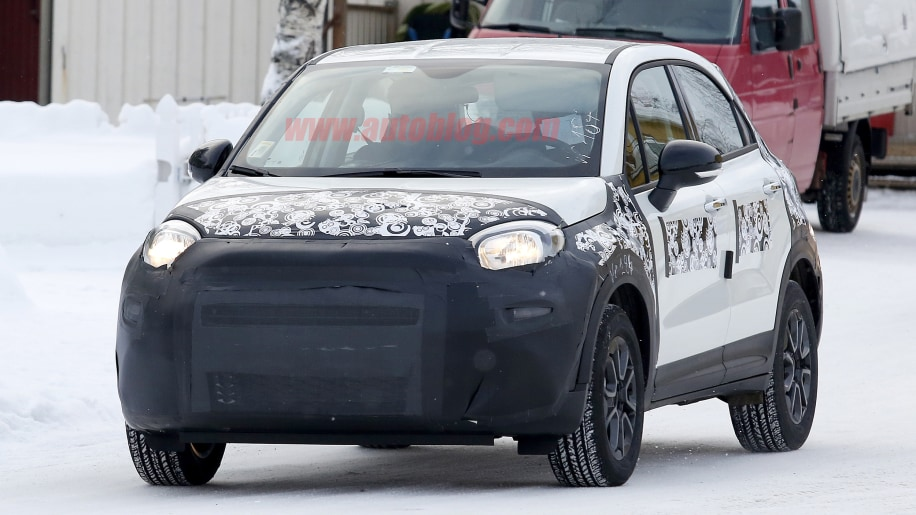 2019 fiat 500x spied showing mild refresh autoblog. Black Bedroom Furniture Sets. Home Design Ideas