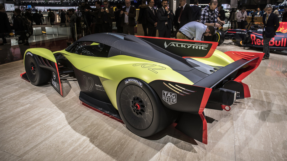 2021 Aston Martin Valkyrie AMR Pro is only for the track ...