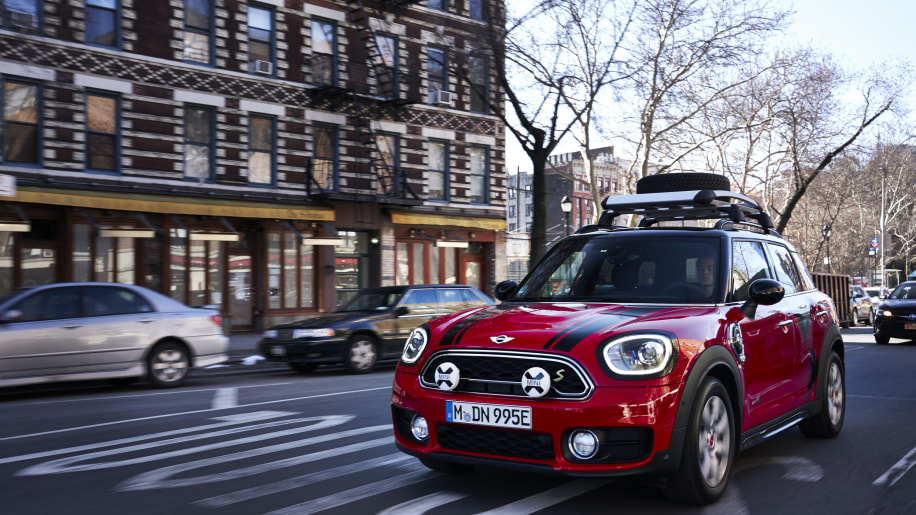 mini countryman panamericana plug in hybrid at new york auto show autoblog. Black Bedroom Furniture Sets. Home Design Ideas
