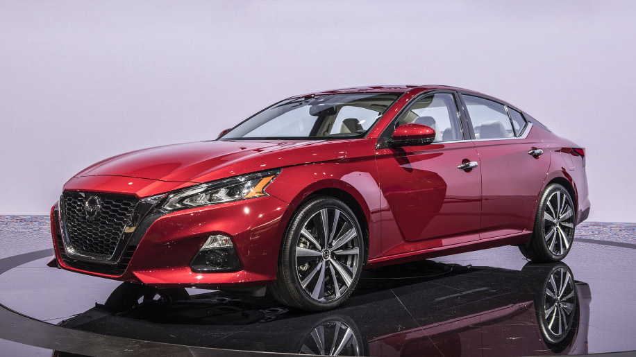 2019 Nissan Altima enters the fray as latest redesigned midsize ...