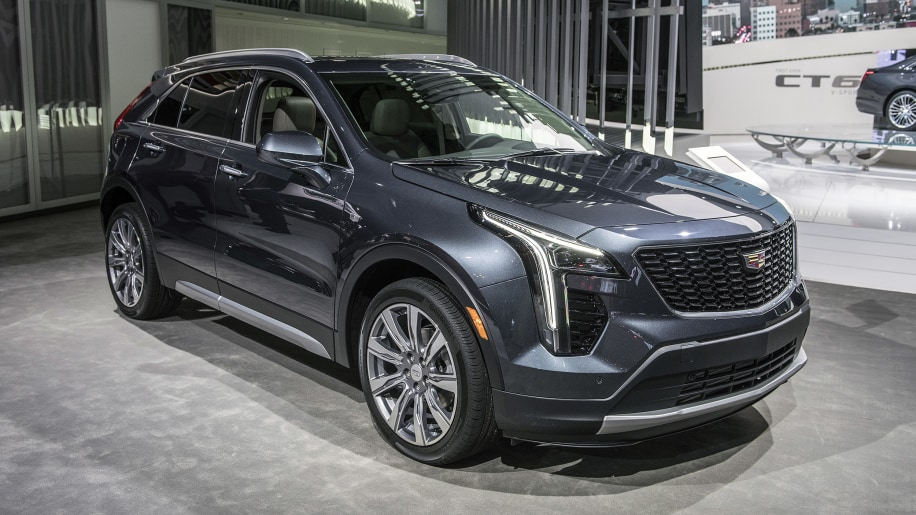2019 cadillac xt4 crossover will battle lincoln mkc after nyc debut autoblog. Black Bedroom Furniture Sets. Home Design Ideas